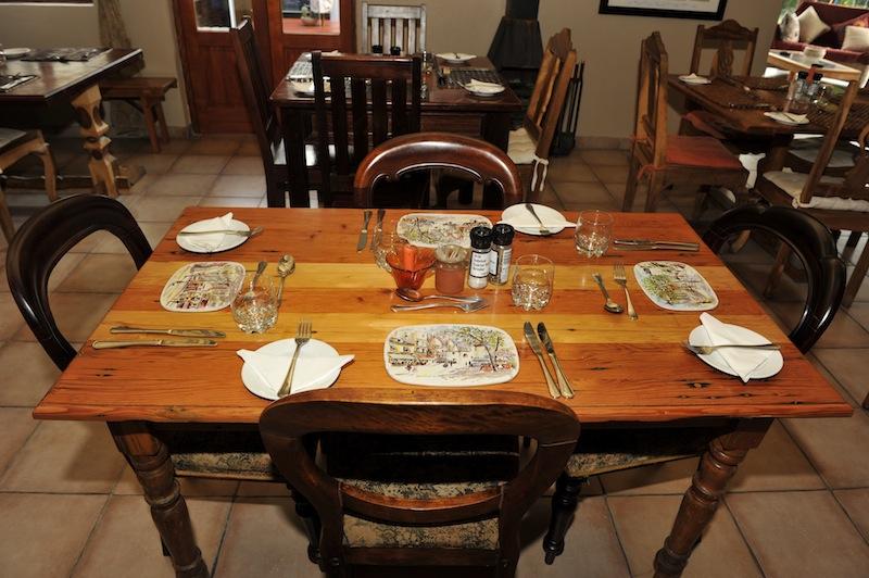 hilldrop-diningroom24